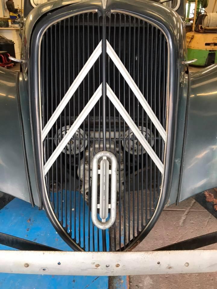 Citro 235 N Traction Avant 11bl 1954 Castle Cars